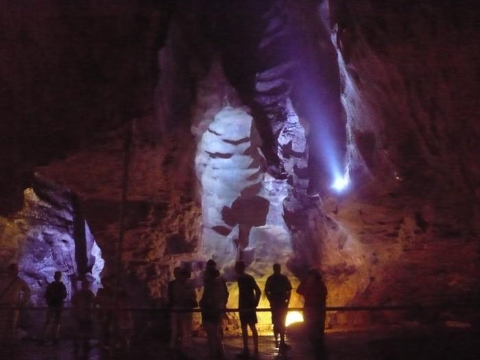 bourg et grottes 006